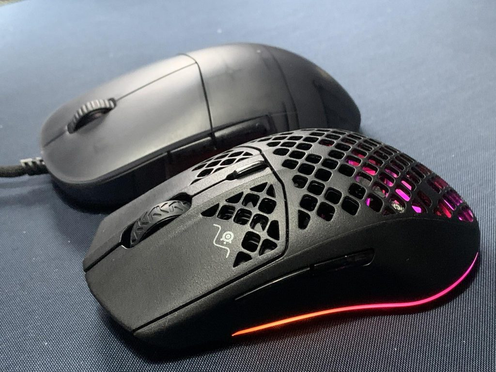Aerox 3 vs Xm1r front angled shape comparison for review